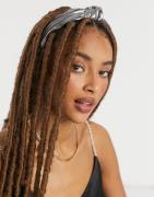 Liars & Lovers headband with twist knot in metallic-Silver